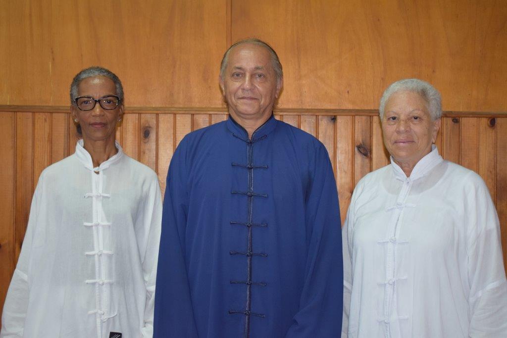 Jean Claude le Professeur et 2 des lauréates